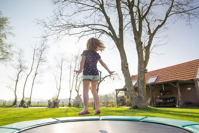 3 Things To Consider When Buying a Trampoline