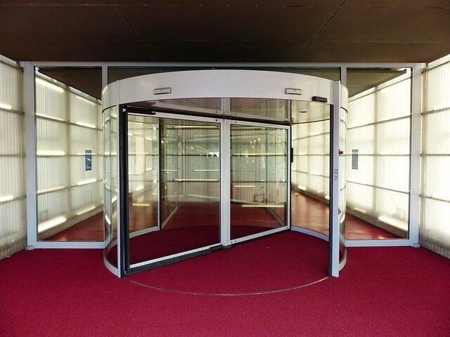 4 Benefits of Automatic Doors