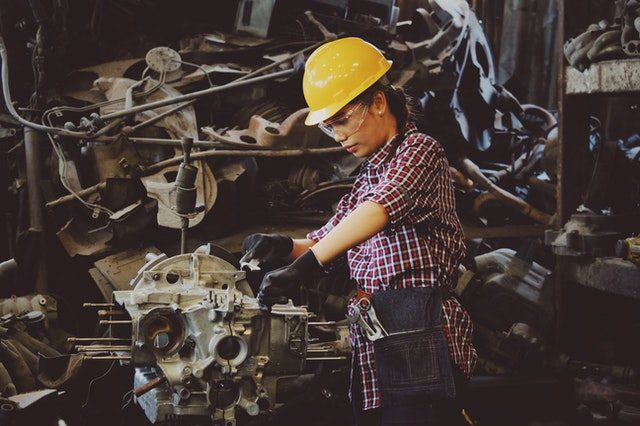 How Contracting Out Machining Saves Money